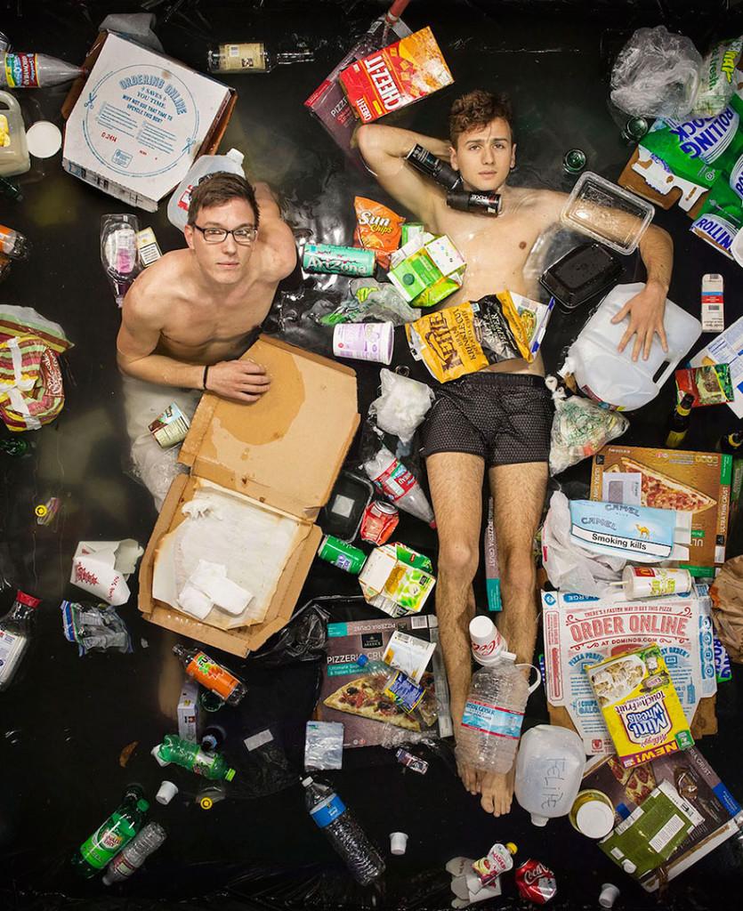 7-days-of-garbage-environmental-photography-gregg-segal-4